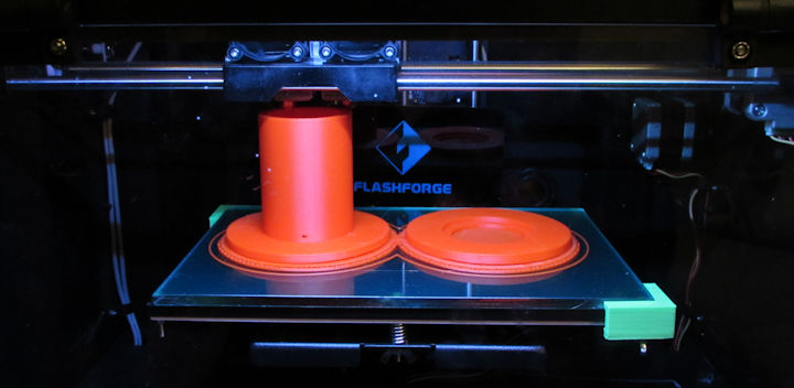Printing an orange spool on the Flashforge