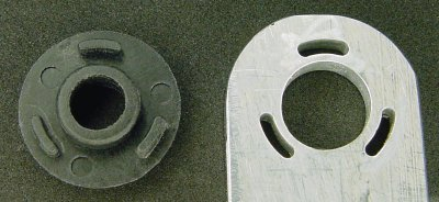 Disc with arcs that snaps into hole on bolt bracket