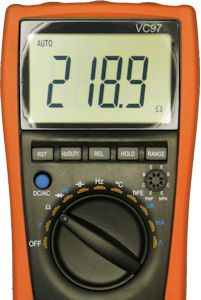 Multimeter measuring known resistance