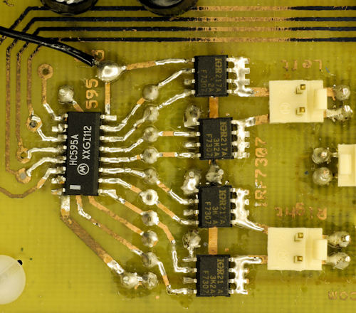 74HC595 serial to parallel motor driver